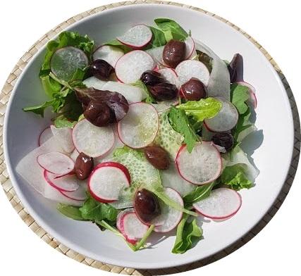 insalata di cetrioli e ravanelli
